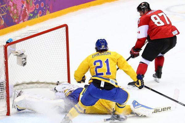 Crosby backhand