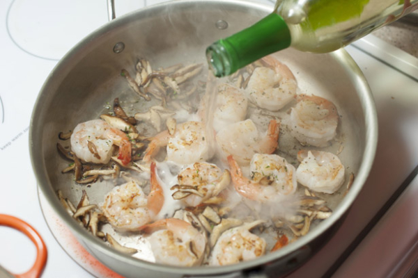 White Wine Shrimp Cooking
