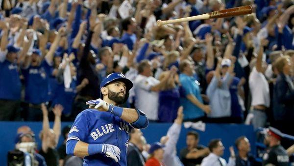 Toronto-blue-jays-jose-bautista-bat-flip