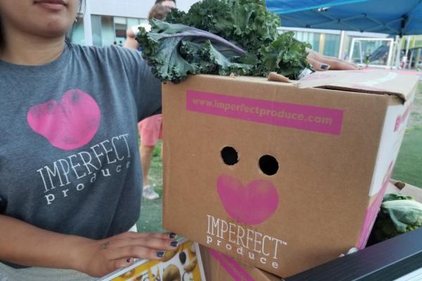 Imperfect-produce-box