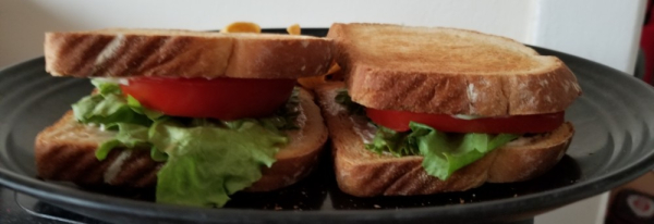 Lettuce-tomato-sandwich