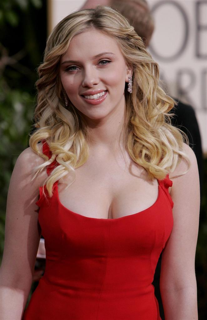 Scarlettjohanssonglobes04g